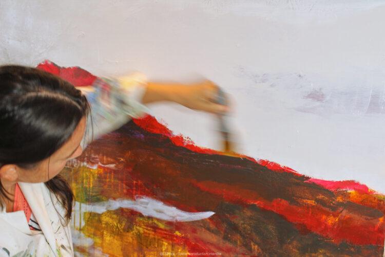 LiliFlore en train de peindre
